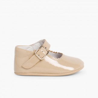 Patent leather Mary Janes for babies with buckle Tan