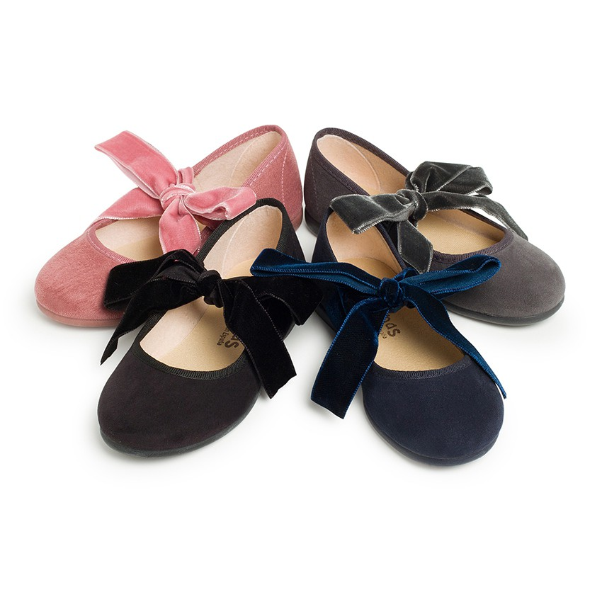 Mary Janes with a velvet bow for girls